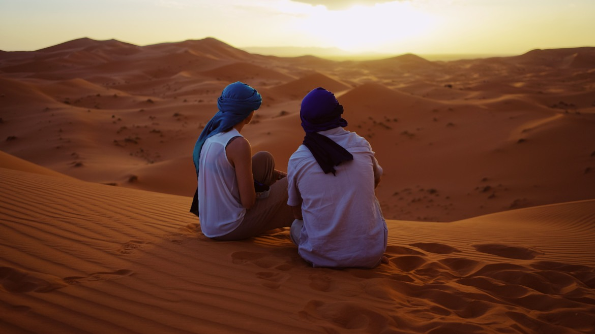 traditional clothes of merzouga